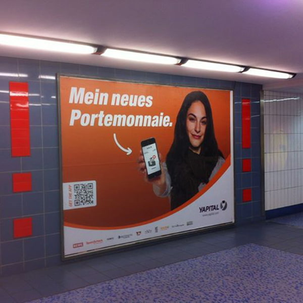 Yapital advertisement in Germany replacing the physical wallet
