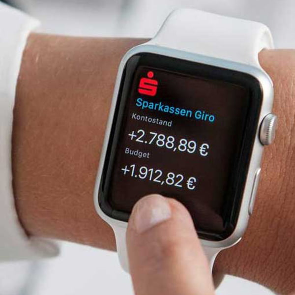 Smartwatch Apple Watch push notification budget prediction display